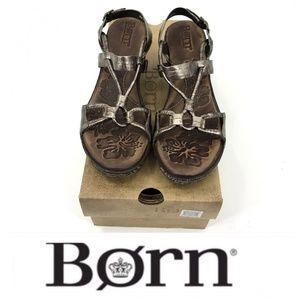 💕SALE💕 Born Gunmetal Gray Sandals